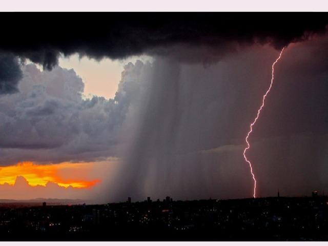 Гроза  — бурное ненастье с дождем, громом и молниями . Грозы связаны с развитием кучево-дождевых облаков, со скоплением в них большого количества электричества. Многократные электрические разряды, происходящие в облаках или между облаками и землей, называются молниями. Гроза обязательно сопровождается раскатами грома и порывами ветра.  основным признакиом приближения грозы .  является скопление мощных кучево-дождевых облаков, которые быстро надвигаются и вскоре занимают все небо.