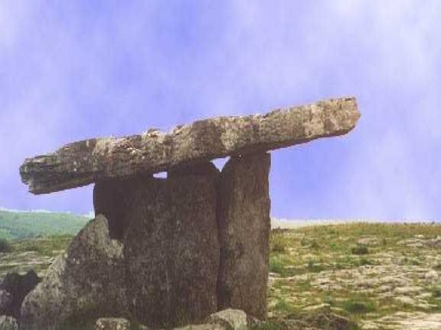 Трилит. Мегалитическая конструктивная ячейка, состоящая из трех камней: двух вертикальный и лежащего на них горизонтального